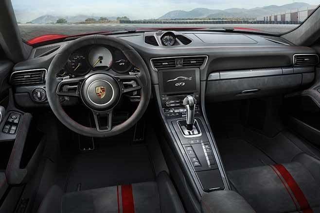 2018-Porsche-991.2-911-GT3-interior
