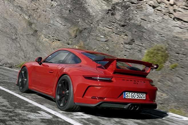 2018-Porsche-991.2-911-GT3-rear