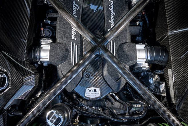 Lamborghini Aventador S V12 engine