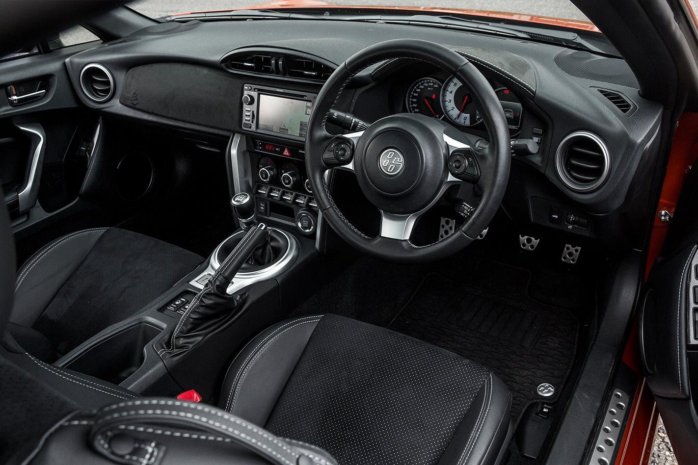 Toyota 86 GTS cabin