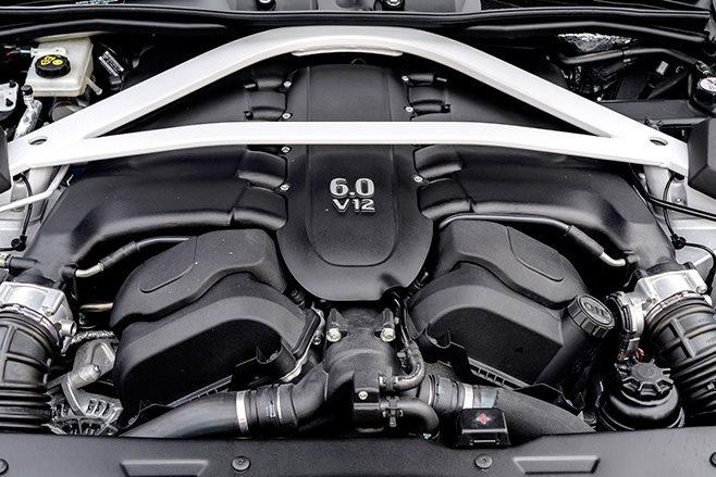 2017 Aston Martin Vanquish S engine
