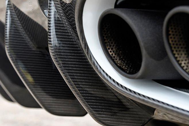 2017 Aston Martin Vanquish S exhaust