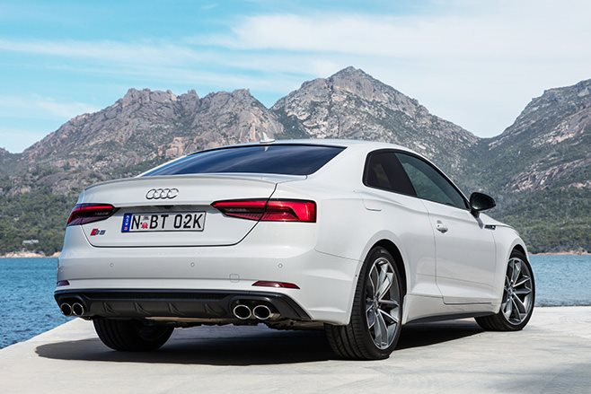 2017 Audi S5 coupe rear