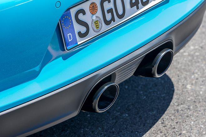 2017 Porsche 911 GTS exhaust