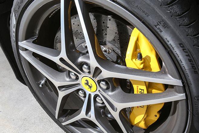 2017 Ferrari California T HS brakes and wheel