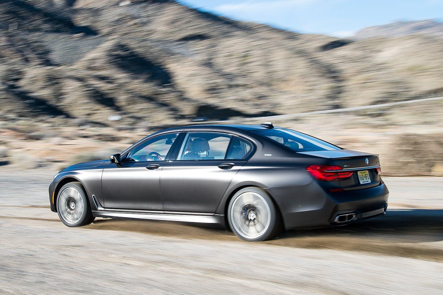 2017-BMW-M760Li side fast
