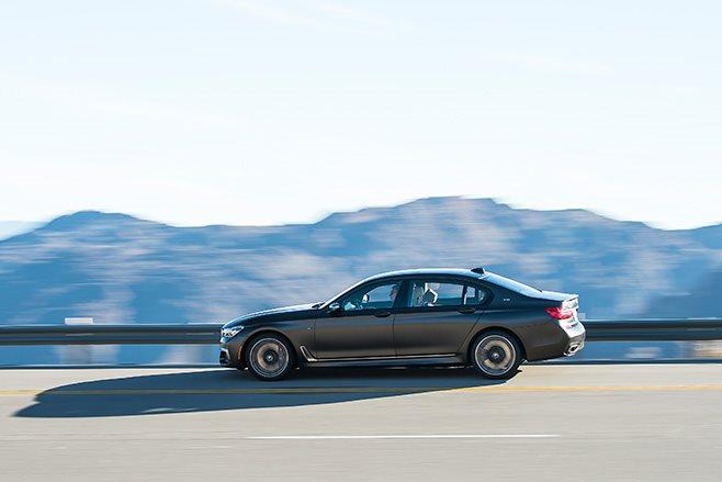 2017-BMW-M760Li driving