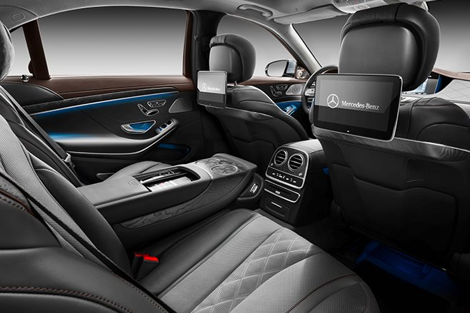 2018 Mercedes-Benz S-Class rear seat
