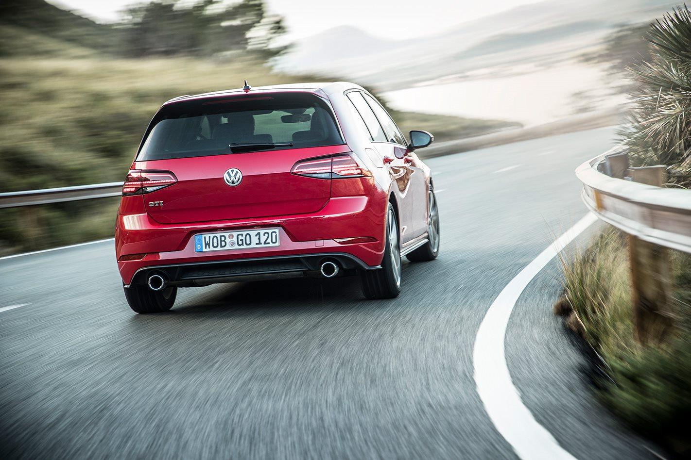 2017 Volkswagen Golf GTI Mk7 5 Review