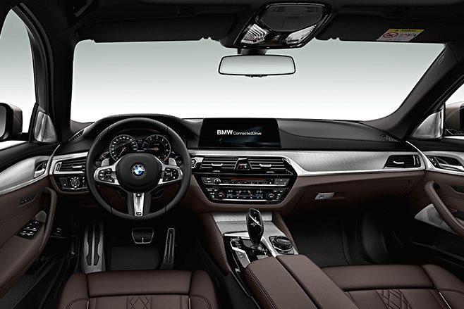 2018 BMW M550d xDrive interior