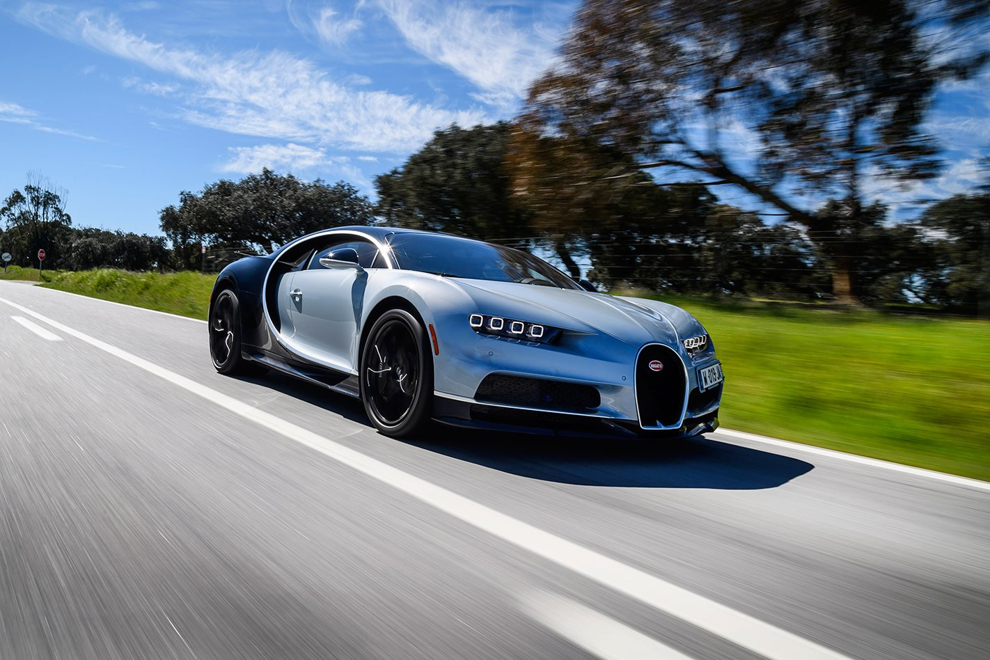 2017 bugatti chiron review motor. Black Bedroom Furniture Sets. Home Design Ideas