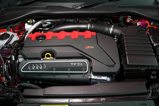 2017 Audi TT RS engine