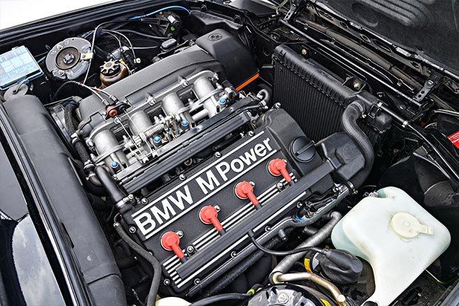BMW E30 M3 Sport Evolution engine bay