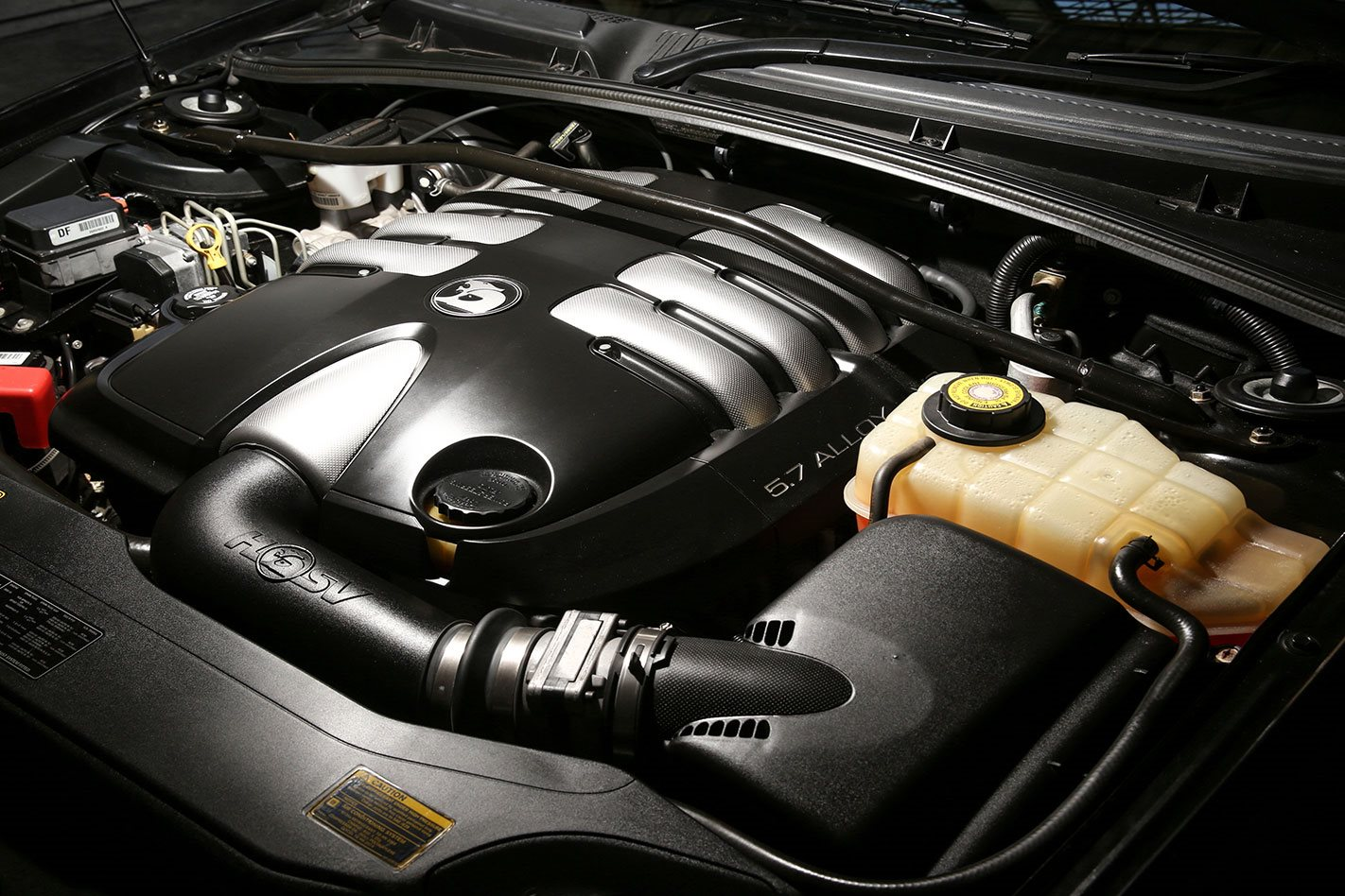 HSV coupe 4 Engine