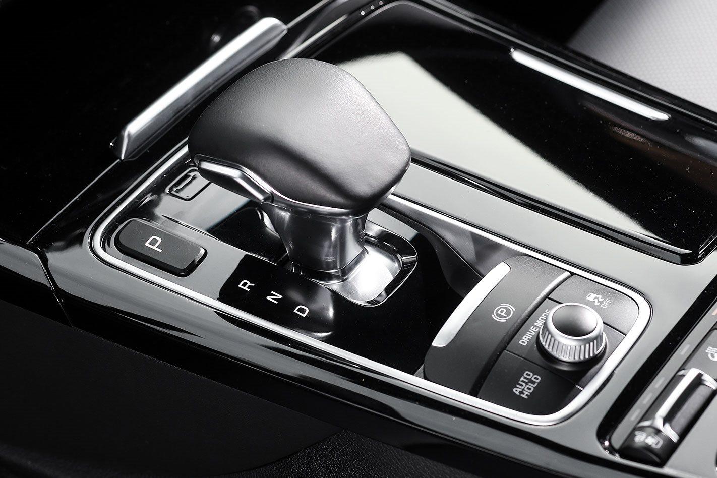 Kia Stinger GT V8 gearbox