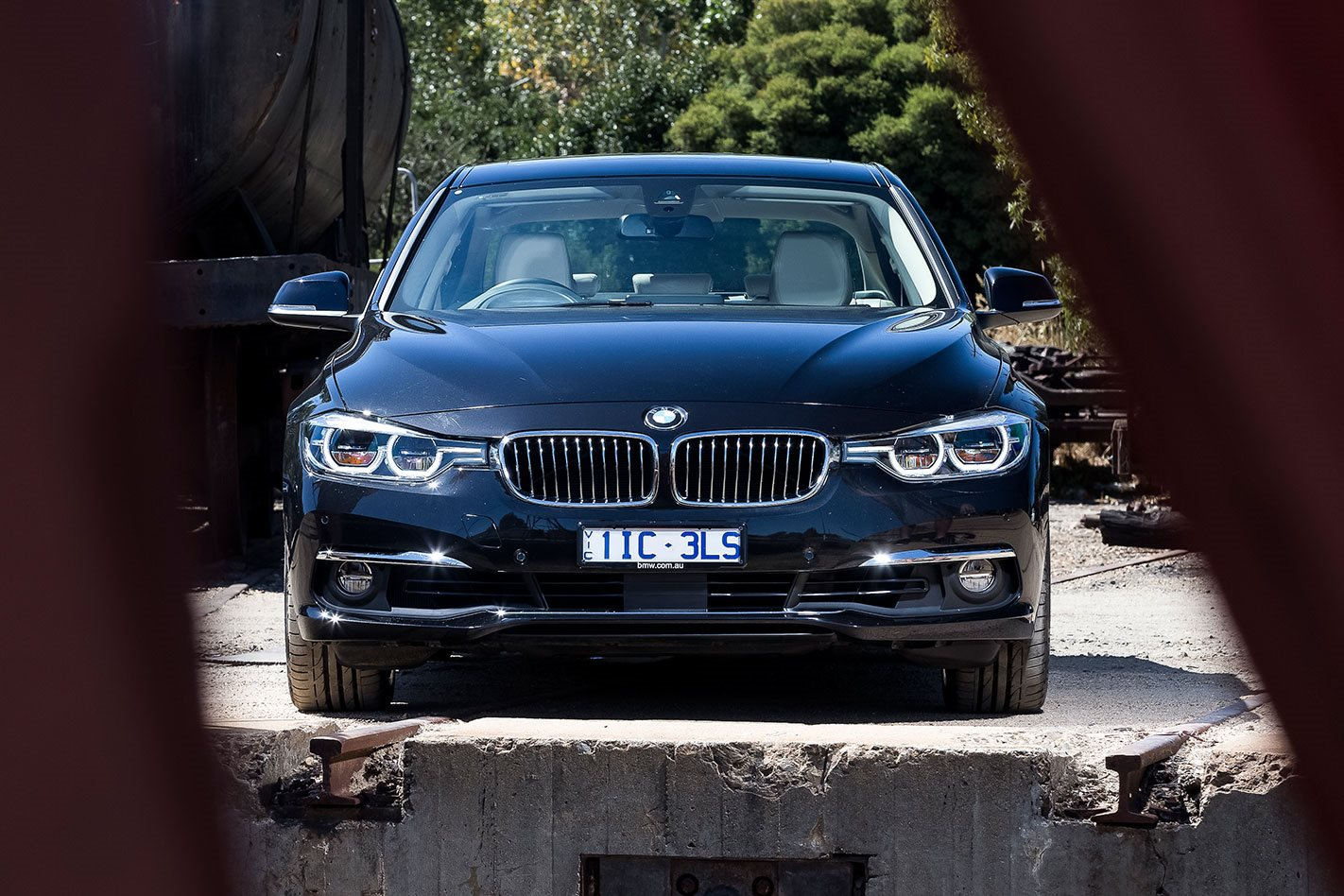 BMW-340i front facing