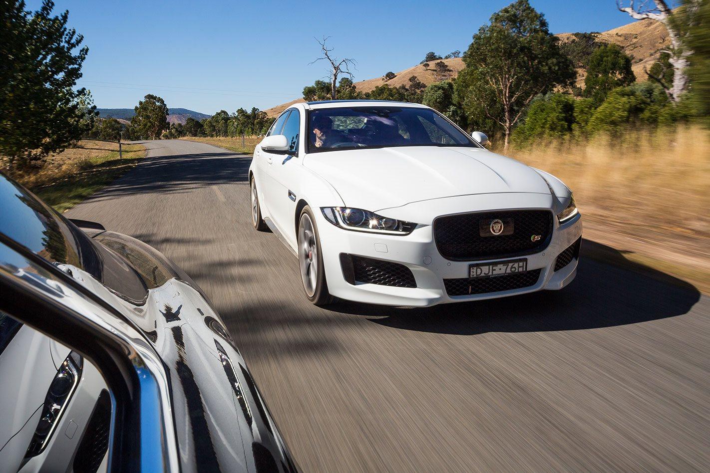 Jaguar-XE-S driving