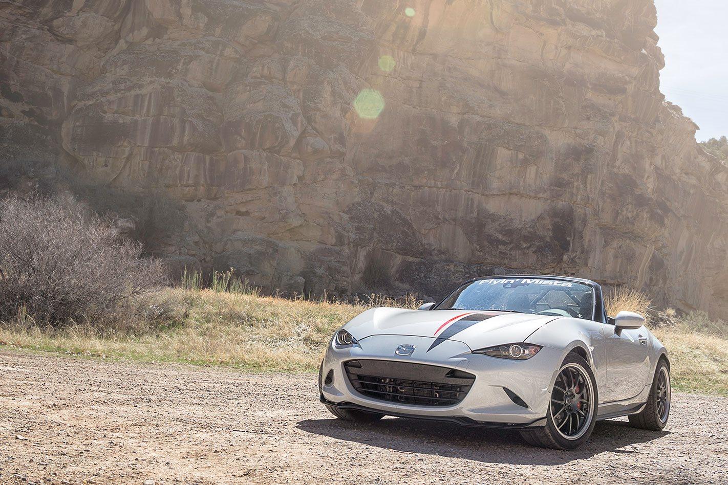V8-Mazda-MX-5-front.jpg