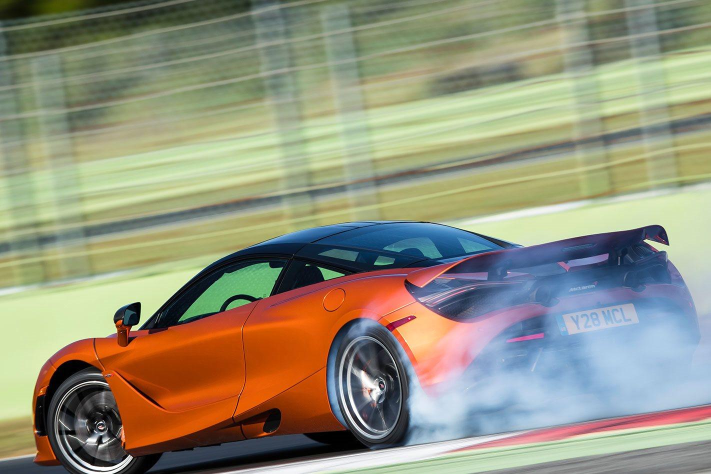 McLaren-720S-racing.jpg