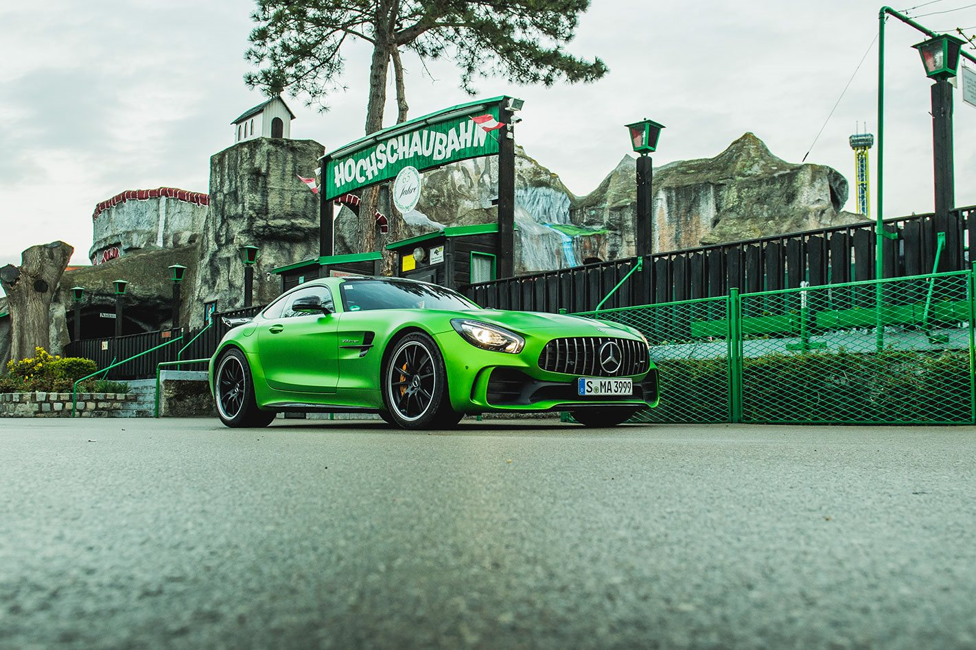 Mercedes AMG GT R side profile