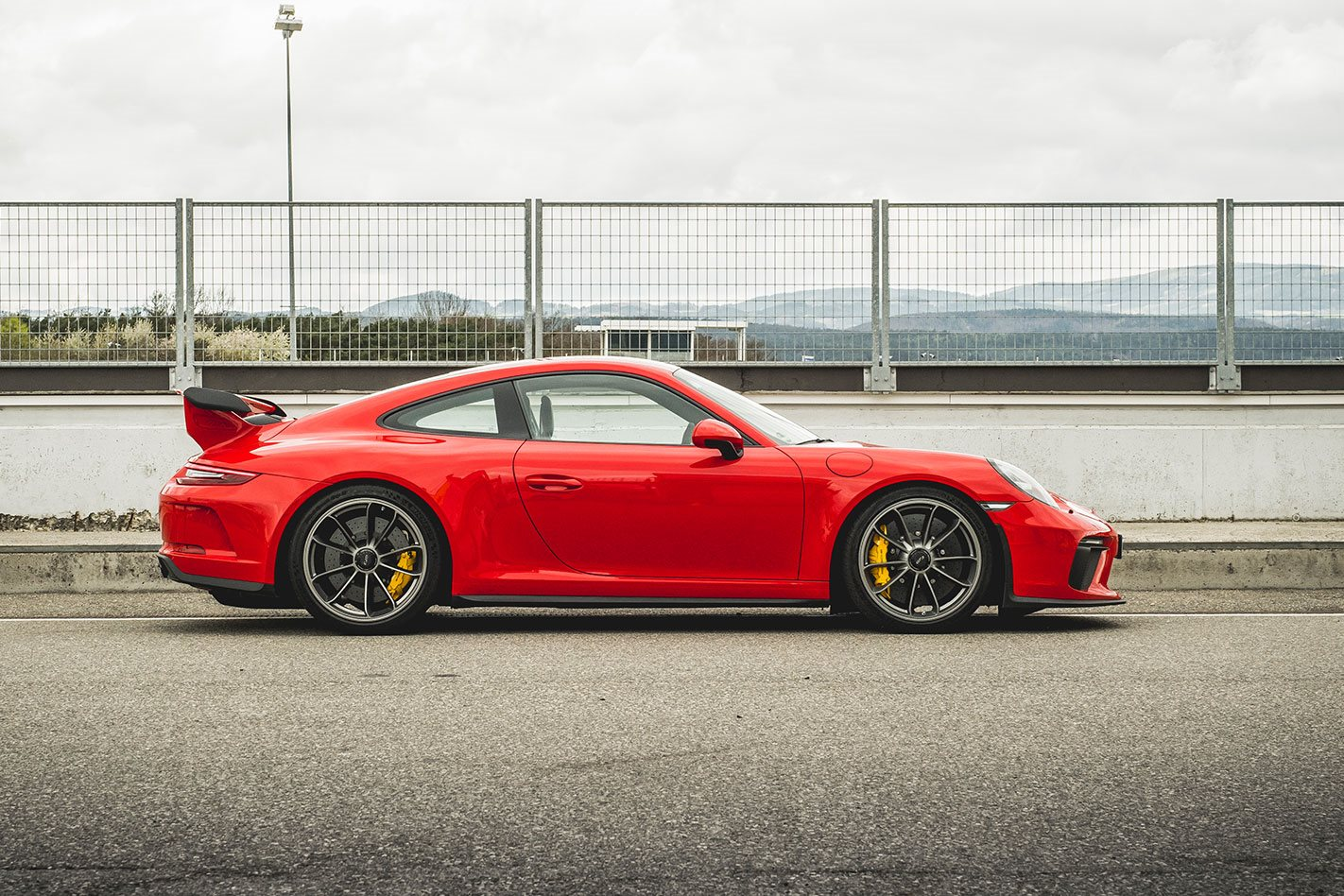 Porsche 911 GT3 side profile