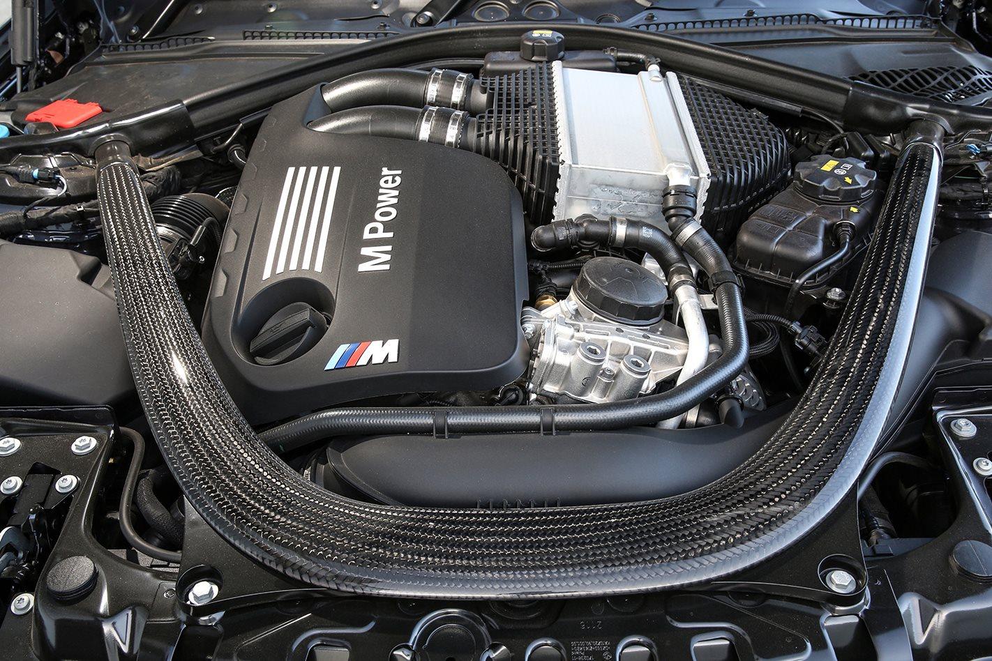 BMW M3 F80 30 Jahre engine