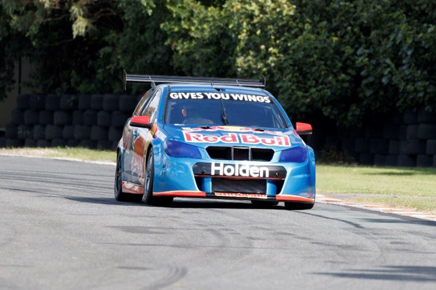 Holden v6 Supercar driving