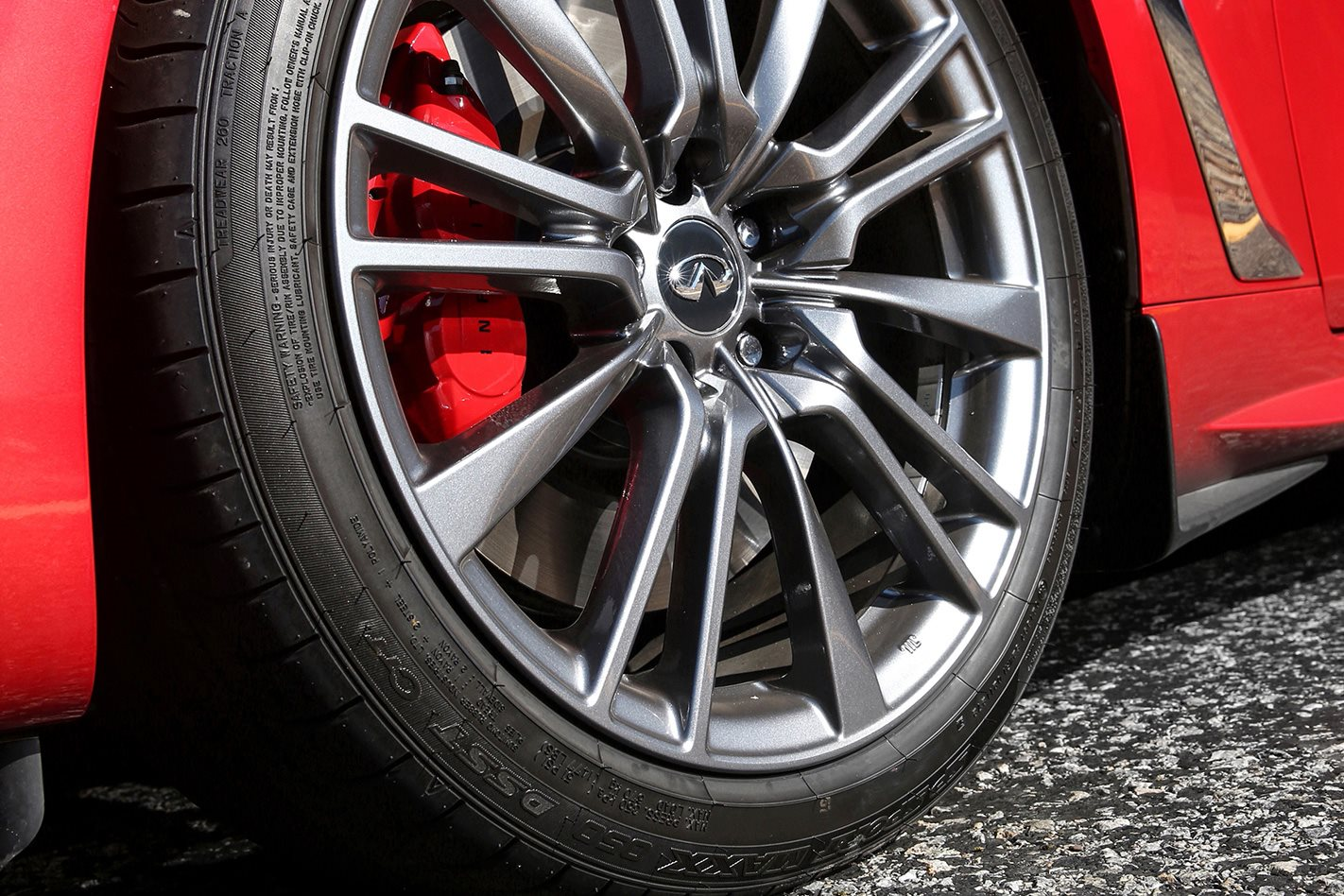 Infiniti Q60 Red Sport wheel