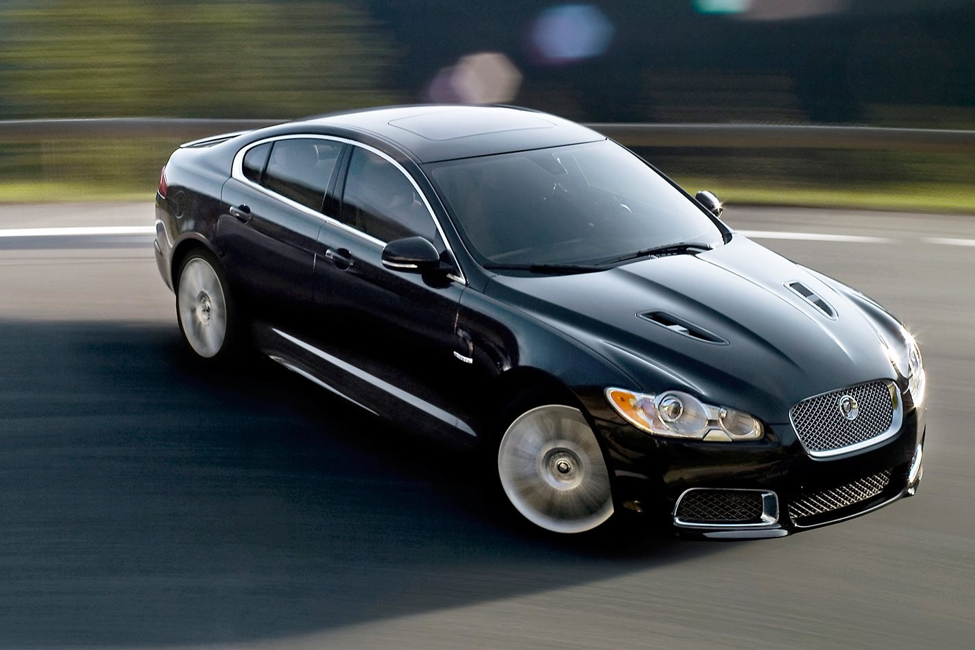 2009 Jaguar XF-R black sedan