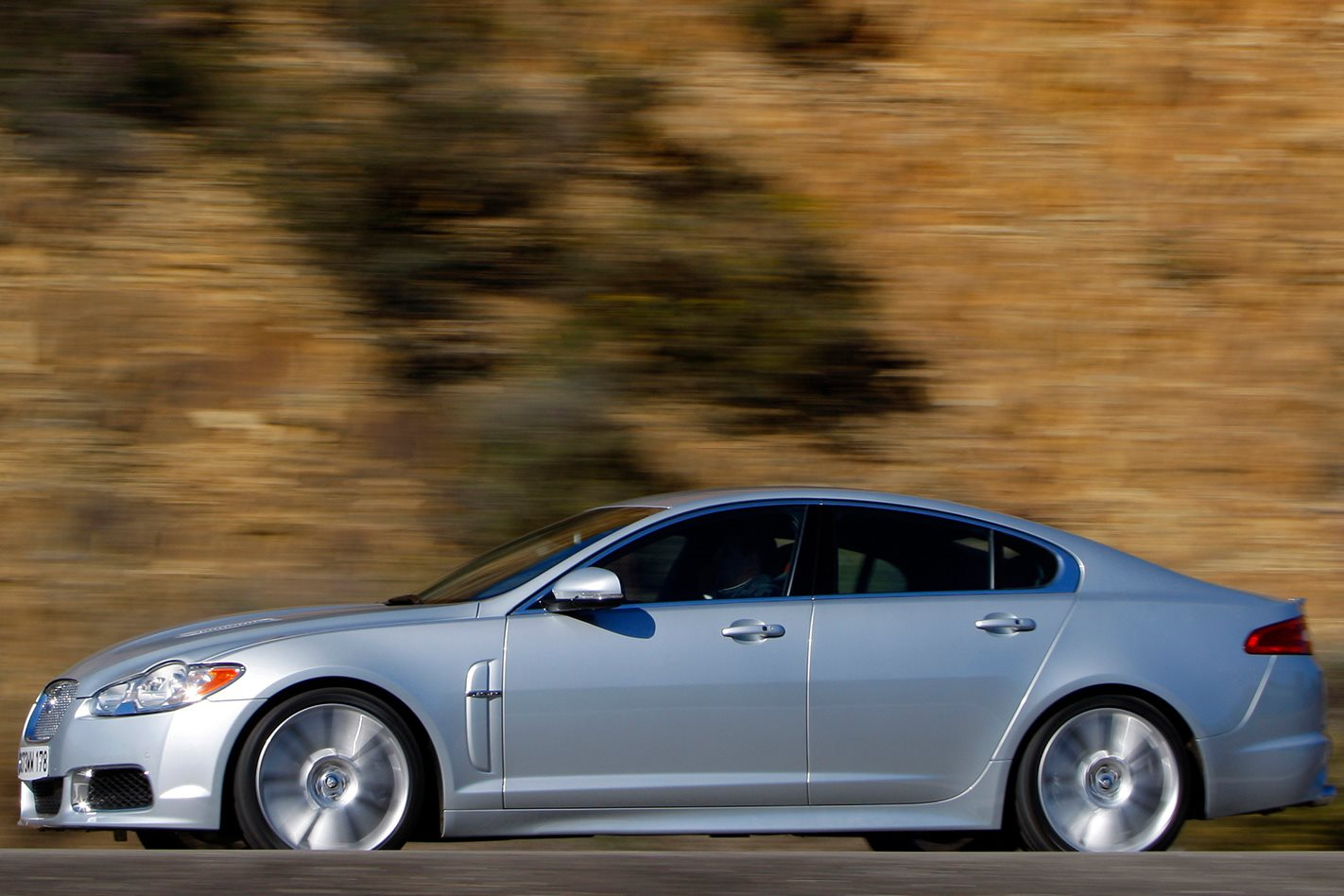 2009 Jaguar XF-R review silver side profile