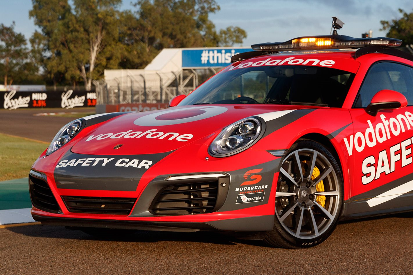 Porsche unveils 911 Carrera 4S Safety Car front