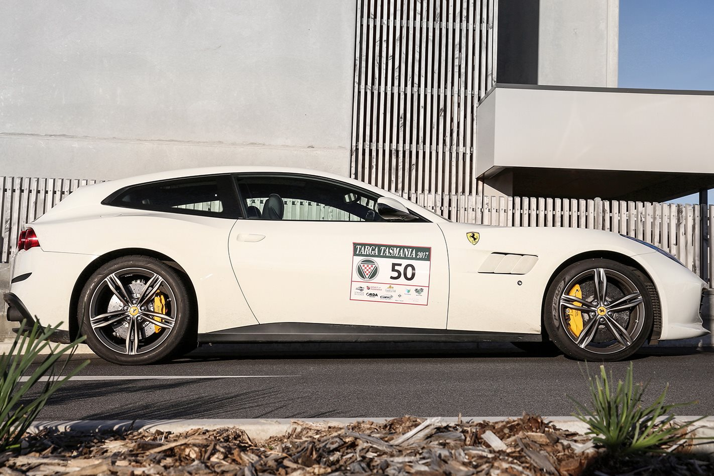 2017 Ferrari GTC4 Lusso side profile