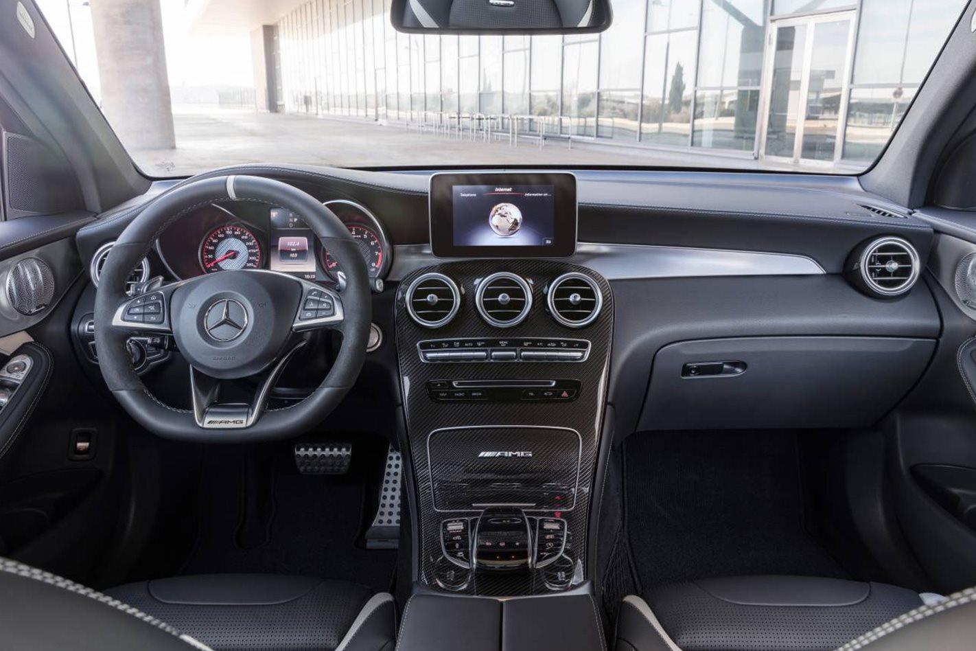 Mercedes-AMG GLC63 S interior