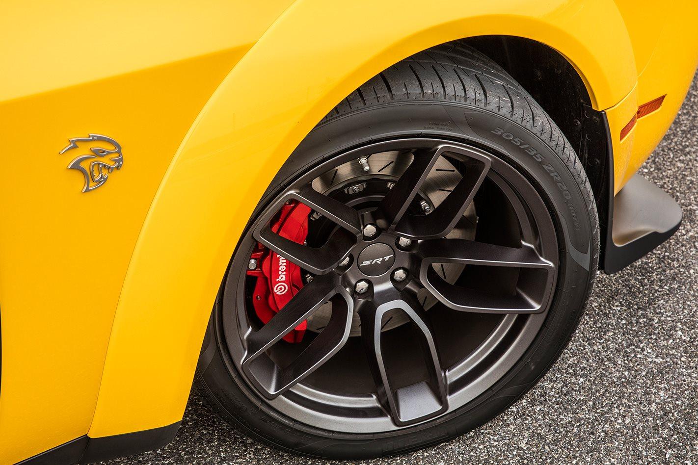 2017 Dodge Hellcat Widebody tyre