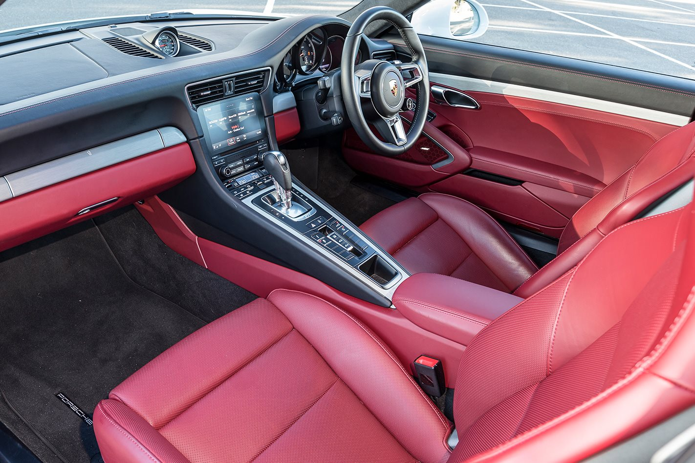 2017 Porsche 991.2 911 Turbo interior