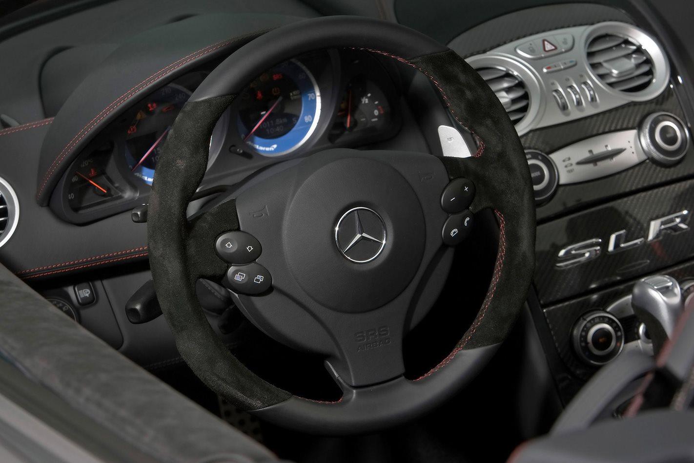 Mercedes McLaren SLR 722 S Roadster steering wheel