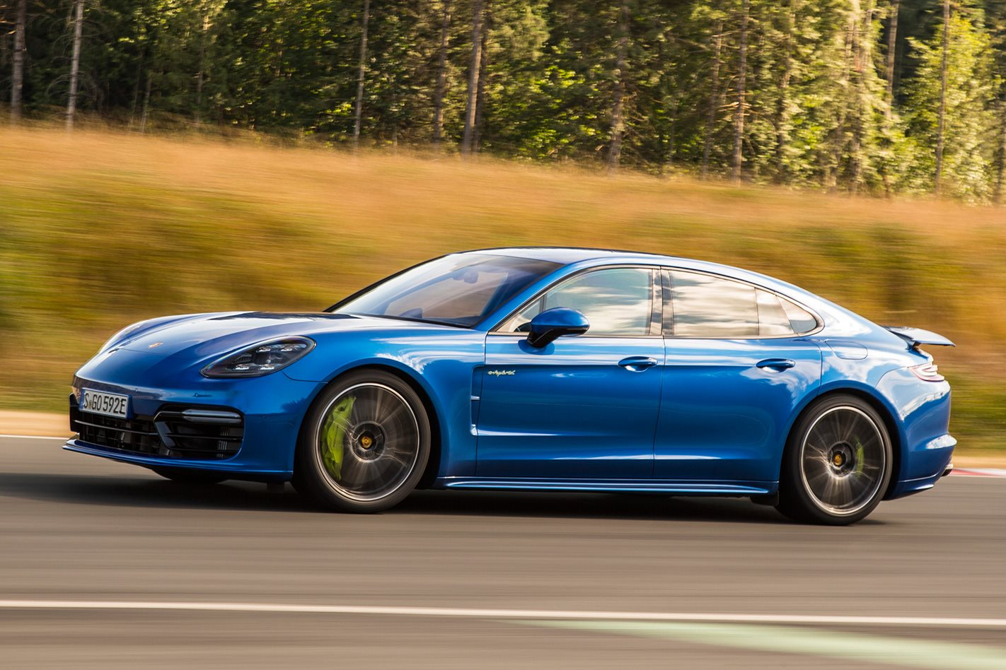 2017 Porsche Panamera Turbo S E-Hybrid side profile