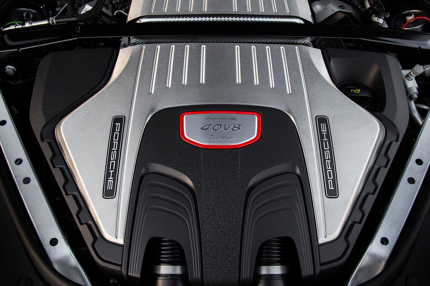 2017 Porsche Panamera Turbo Sport Turismo engine