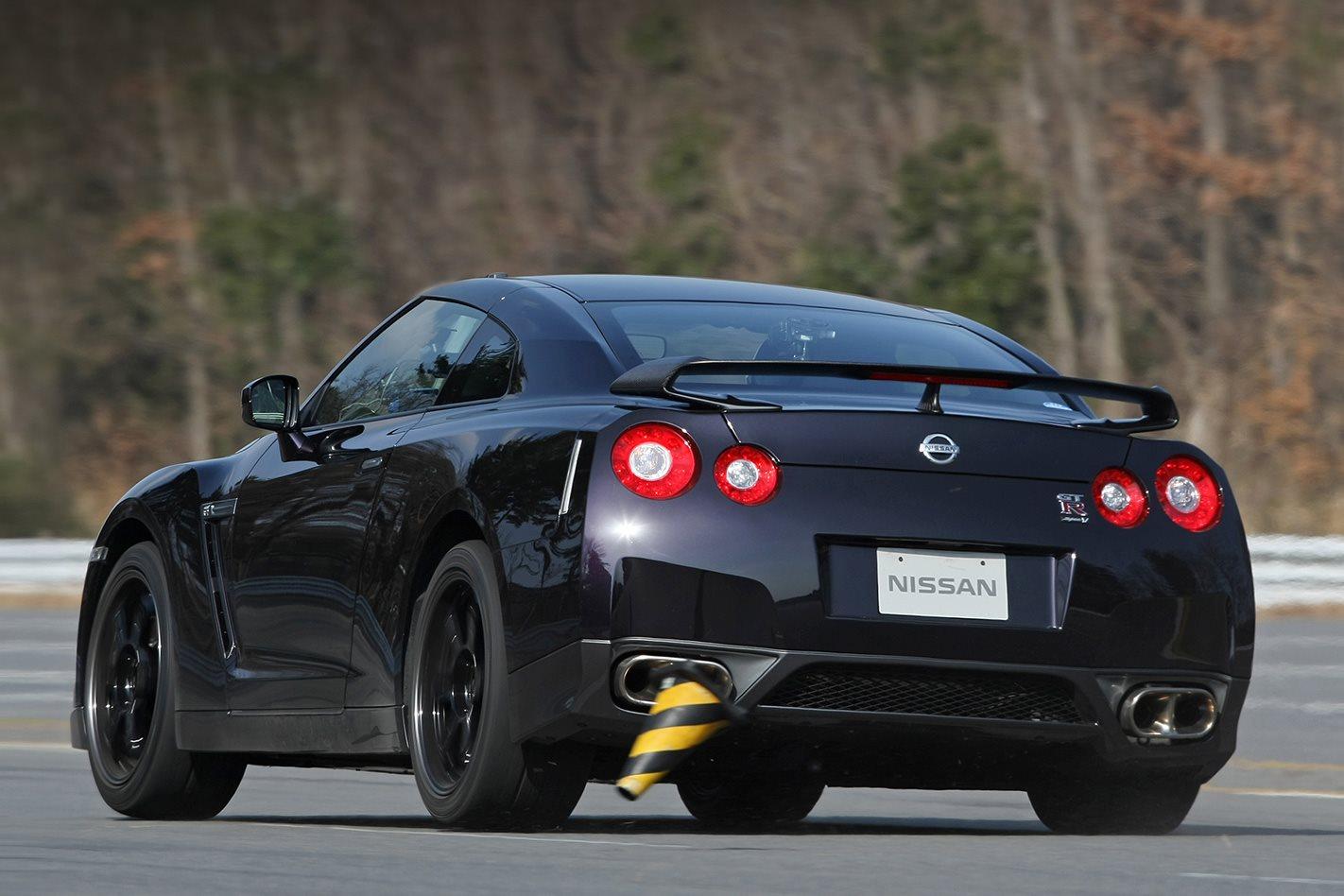 Nissan R35 GT-R Spec-V testing