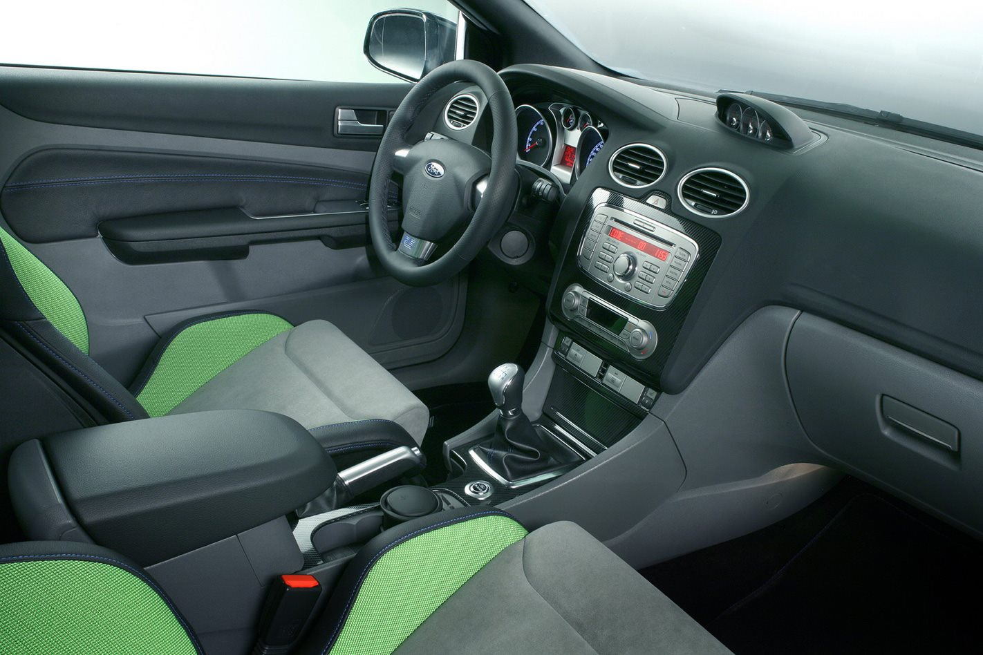 2008 Ford Focus RS interior