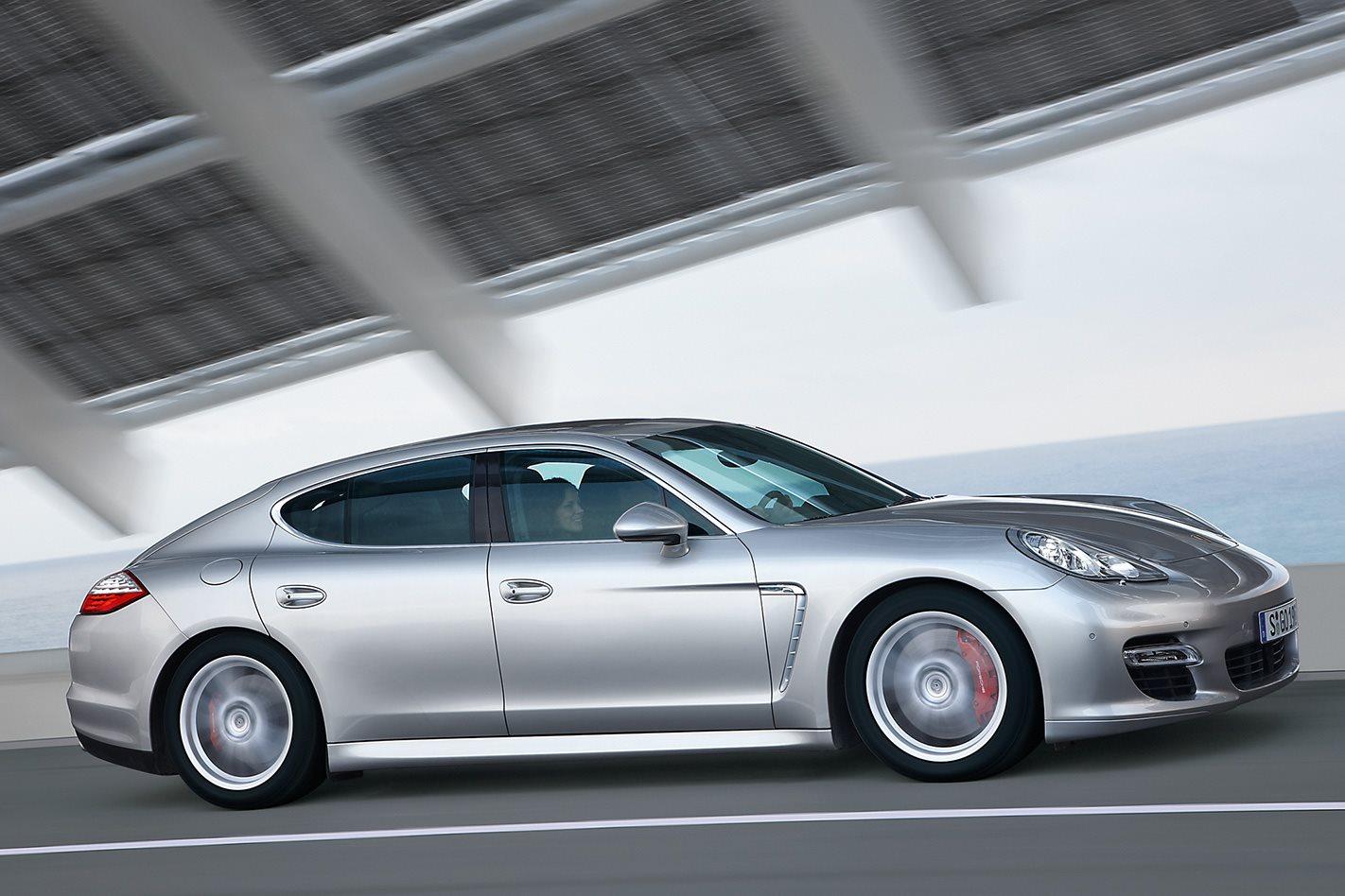 2010 Porsche Panamera Turbo driving
