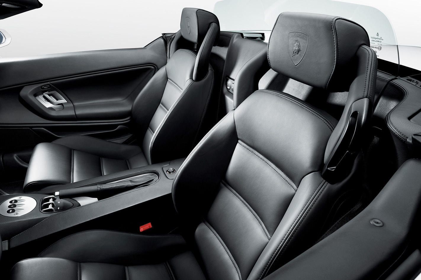 Lamborghini Gallardo Spyder interior