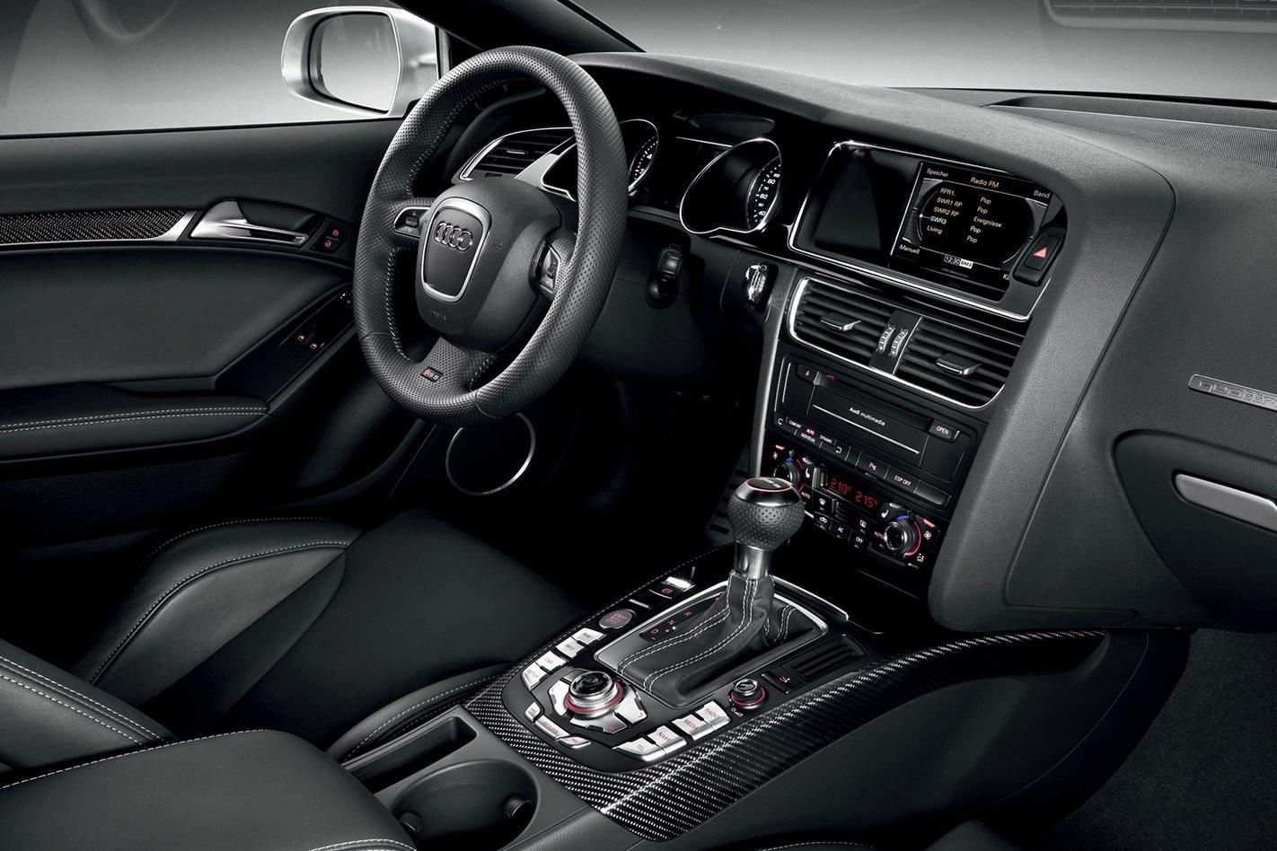 2010 Audi RS5 interior