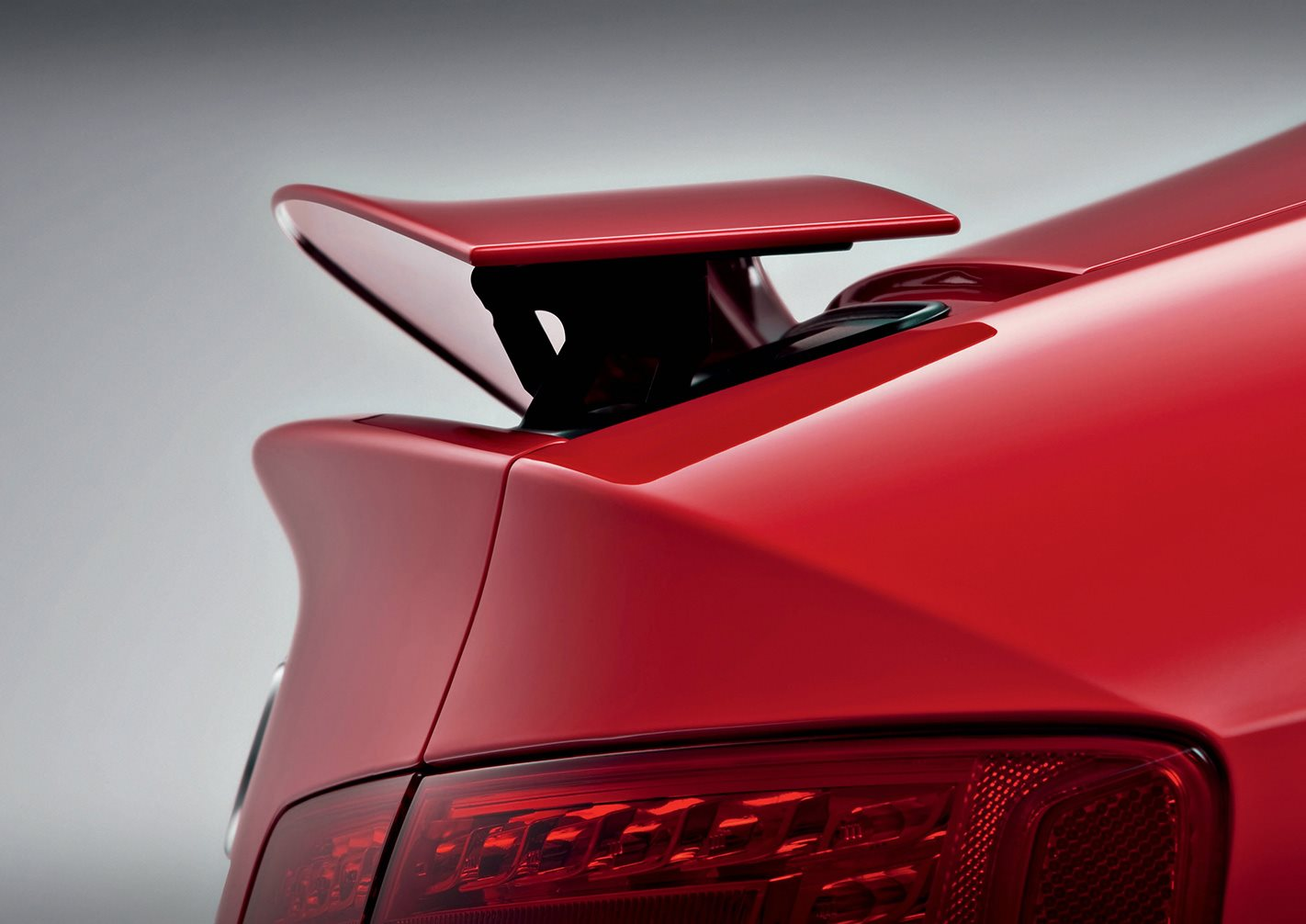2010 Audi RS5 spoilers