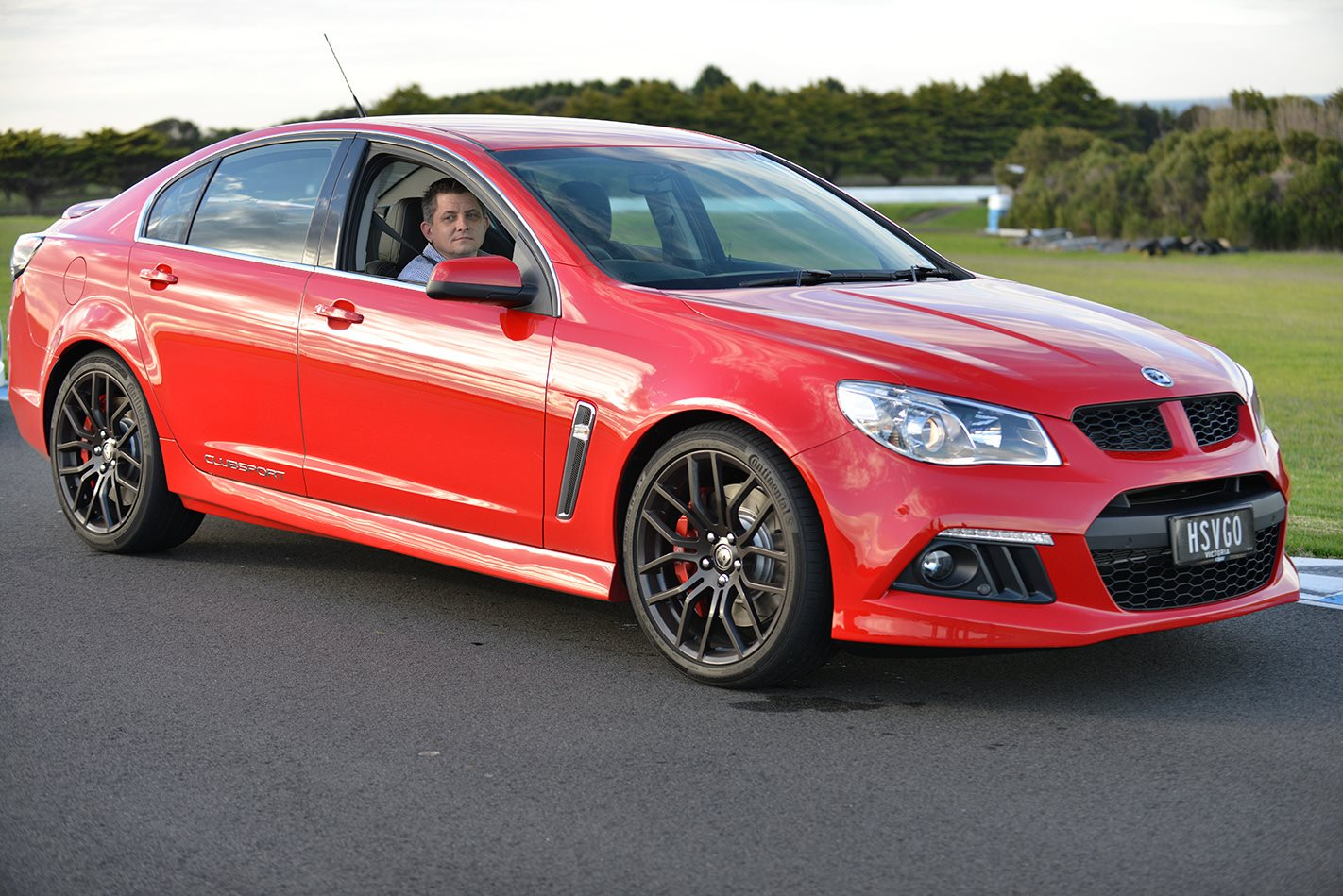 2013 HSV Gen-F Commodore facing.jpg