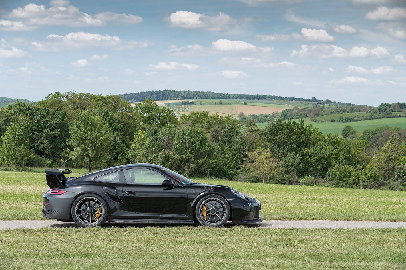 2018 Porsche 911 GT2 RS offroad