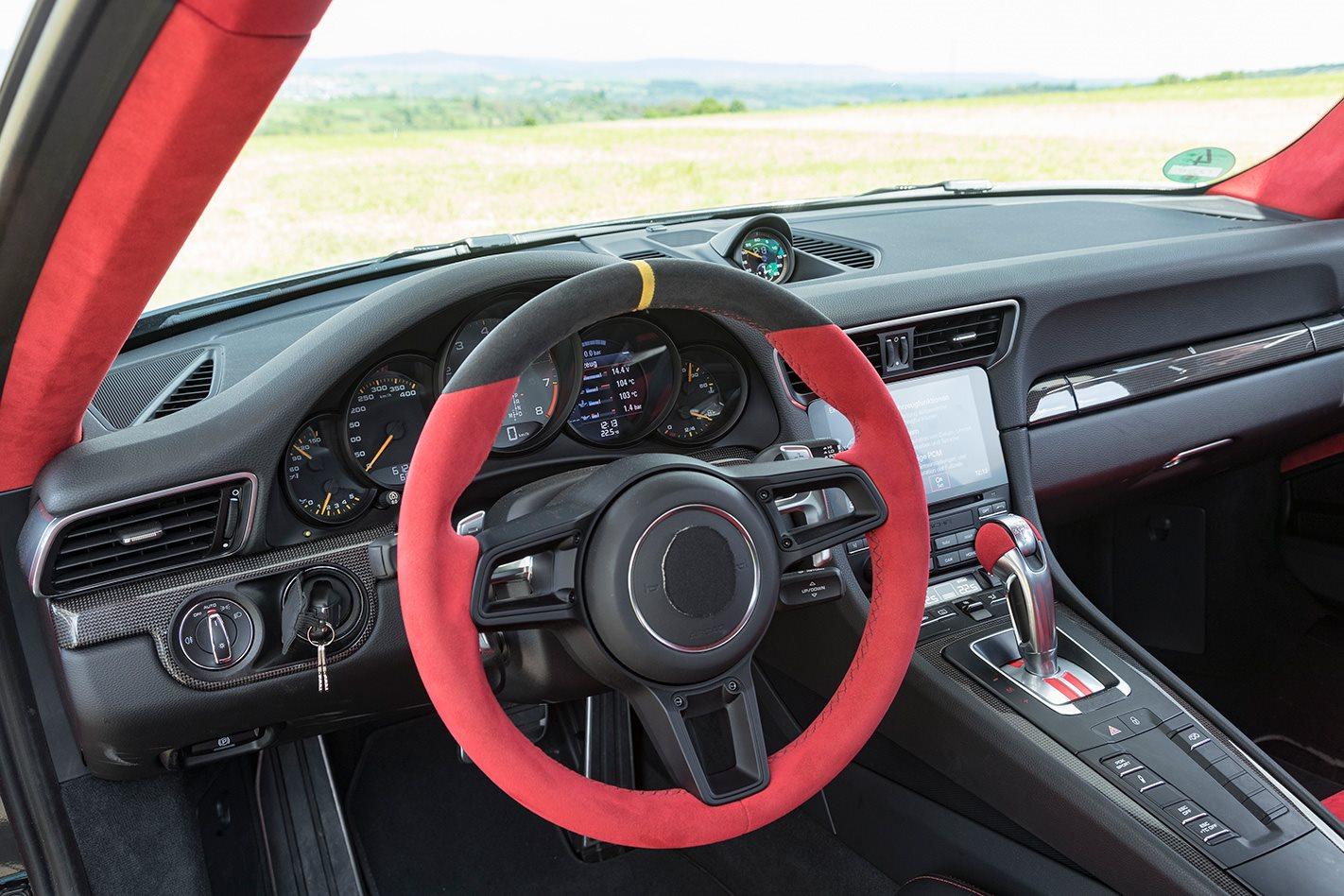 2018 Porsche 911 GT2 RS steering wheel.jpg