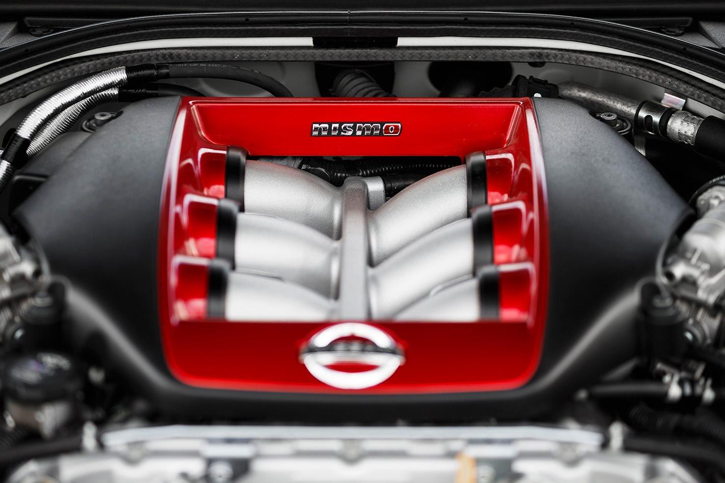 2017 Nissan GT-R NISMO engine valves.jpg