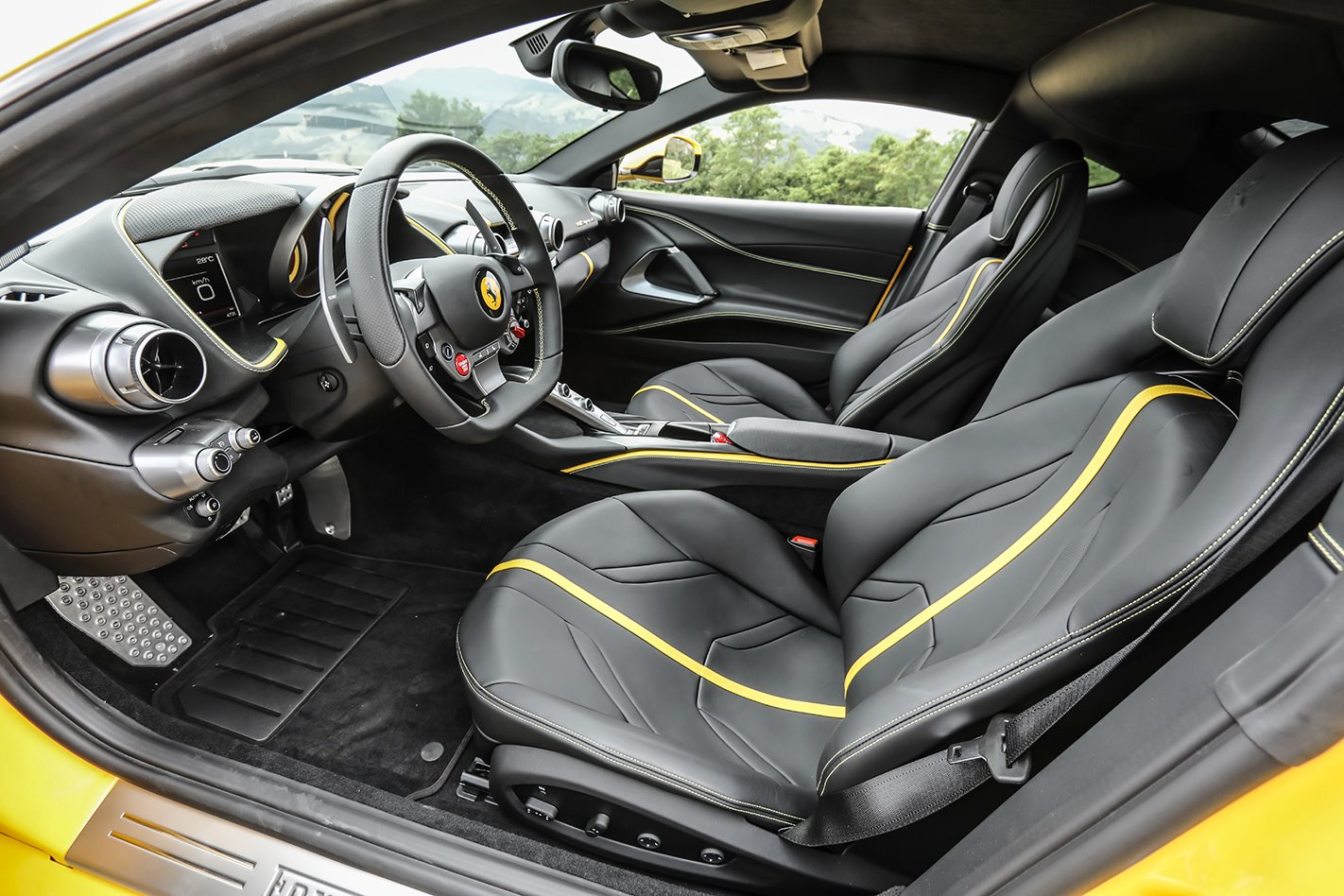 2018 Ferrari 812 Superfast seats.jpg