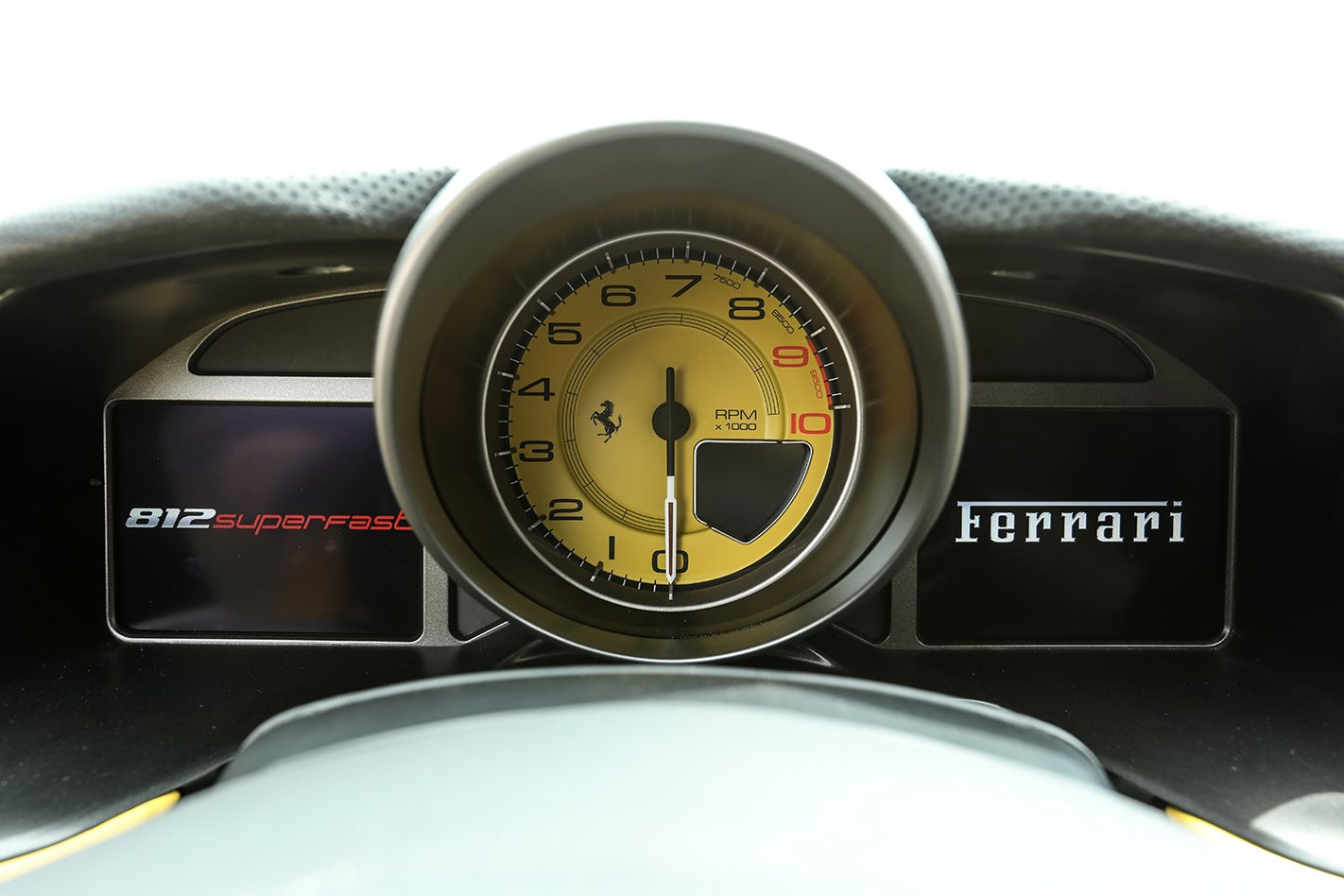 2018 Ferrari 812 Superfast speedo.jpg